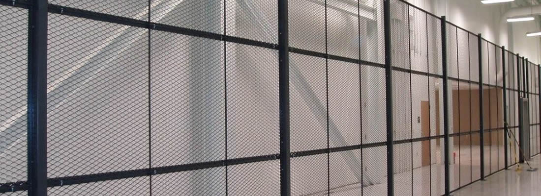 Wire Mesh Partitions for Warehouse Separation